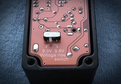 Voltage rise switch